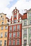 Главным образом рыночная площадь, красочные арендуемые дома, более низкая Силезия, Wroclaw, Польша Стоковое Изображение