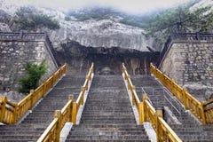 Глаз Будды - глаза Будды Luzhou, виска Fengxian, гротов Longmen, Лояна, Китая стоковые изображения