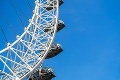 Глаз Лондона и голубое небо, Великобритания, 21-ое мая 2018 стоковое изображение