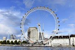 Глаз Лондона - колесо Ferris гиганта Стоковые Изображения