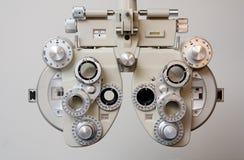 глаз экзамена оборудования стоковая фотография rf