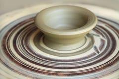 Глина на колесе гончарни, patella стоковое фото rf