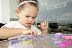 глина ребенка ваяет Стоковые Изображения
