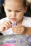 глина ребенка ваяет Стоковые Фотографии RF