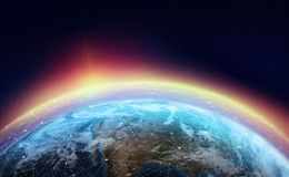 Глобальная вычислительная сеть через планету Земля окружена сетью цифровых данных иллюстрация вектора