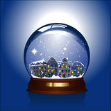 глобус внутри городка снежка Стоковое фото RF