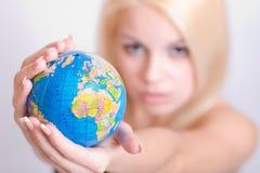 глобус вручает женщин s Стоковое Фото