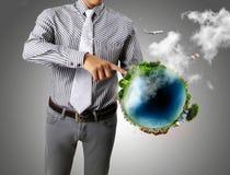 глобус земли вручает его Стоковые Фотографии RF
