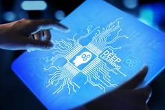 Глубокая концепция технологии AI искусственного интеллекта машинного обучения на виртуальном экране стоковое фото rf
