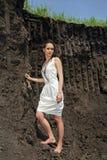 глубокие внутренние sundress карьера повелительницы белые стоковое фото rf