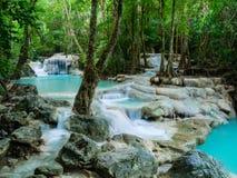 Глубокий водопад леса в водопаде Таиланда Erawan стоковая фотография
