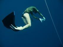 глубоко freediving трудные фото s принимают к Стоковое Изображение