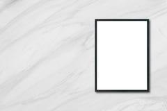 Глумитесь вверх по пустой смертной казни через повешение картинной рамки плаката на белой мраморной стене в комнате Стоковые Фото