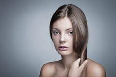 Глянцеватые волосы Стоковые Изображения