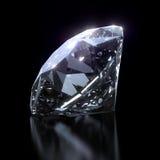 Глянцеватый диамант на черной предпосылке Стоковое Изображение RF
