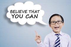 Говорить мальчика считает, что вы можете Стоковое Изображение RF