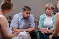 Говорить о проблемах во время терапии Стоковые Изображения