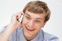 говорить телефона бизнесмена Стоковые Изображения RF