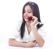 говорить телефона девушки клетки стоковое изображение rf
