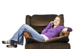 говорить телефона девушки подростковый стоковые фото