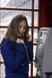 говорить телефона персоны общественный Стоковая Фотография RF