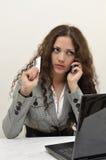 говорить телефона повелительницы кредита автомобиля дела Стоковая Фотография RF