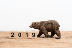 Год 2019 рынок с понижательной тенденцией финансовых, справедливости или инвестиции акциями conc стоковые фото