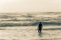 Год сбора винограда заплыва океана пляжа спортсмена стоковое изображение rf