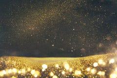 Год сбора винограда яркого блеска освещает предпосылку черное золото Сфокусированный De стоковая фотография