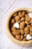голландецы конфеты pepernoten маштаб Стоковые Фотографии RF