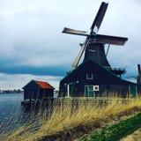 Голландская ветрянка Zaanse Schans стоковые фотографии rf