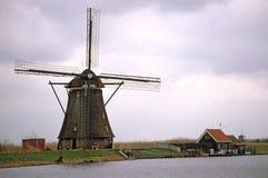 голландская традиционная ветрянка Стоковое фото RF