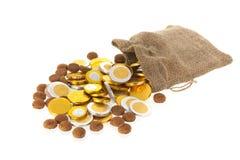 Голландские гайки имбиря и монетки шоколада для Sinterklaas Стоковые Фотографии RF