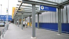 Голландское IKEA в входе Делфта клиентов сток-видео