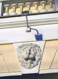 Голова льва на стене Achitecture Санкт-Петербурга, России Стоковое фото RF
