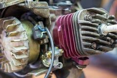 головки цилиндра самоката ремонты мотоцикла Стоковая Фотография RF