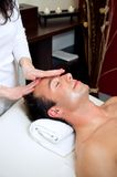 головной массаж стоковое изображение rf