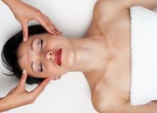 головной массаж Стоковая Фотография