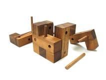 головоломка 5 кубиков деревянная Стоковые Изображения RF