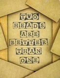 Головы фразы 2 лучшие чем одно делает черным stam алфавита Стоковая Фотография