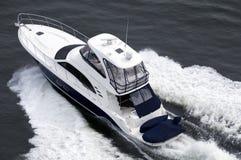 голубая белизна быстроходного катера Стоковые Изображения