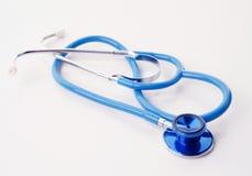 голубая белизна стетоскопа Стоковые Фотографии RF