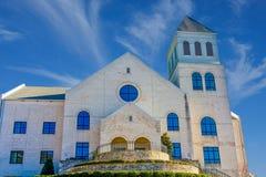 голубая белизна церков кирпича стоковое изображение rf