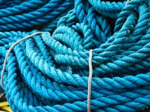Голубая веревочка в гавани Стоковая Фотография RF