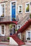 Голубая дверь, красные лестницы, сад Ramsey, Эдинбург стоковые фото
