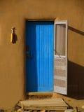 голубая дверь Стоковые Изображения