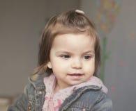 голубая девушка меньший розовый портрет Стоковое Фото