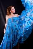 голубая девушка платья танцы Стоковые Изображения