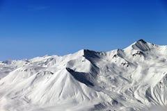 голубая зима неба гор Стоковое фото RF