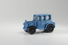 голубая игрушка автомобиля стоковые фото